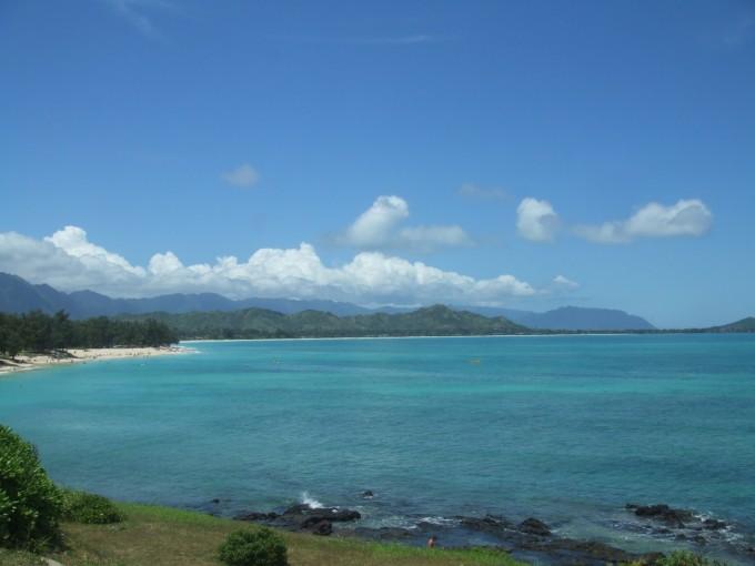 ラニカイビーチに向かう途中から見たカイルアビーチ